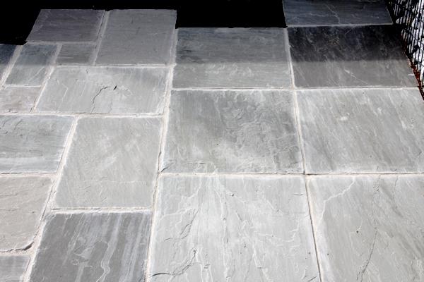 Romane grès gris