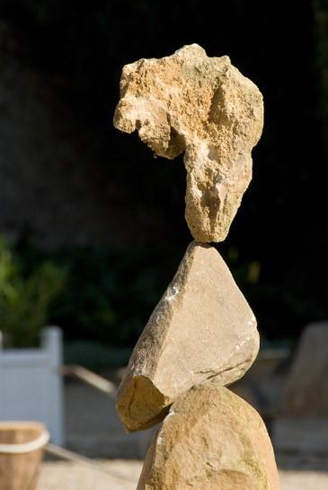 HMT, partenaire de Nuit blanche le 1er octobre  - Sculpture Rock Balancing