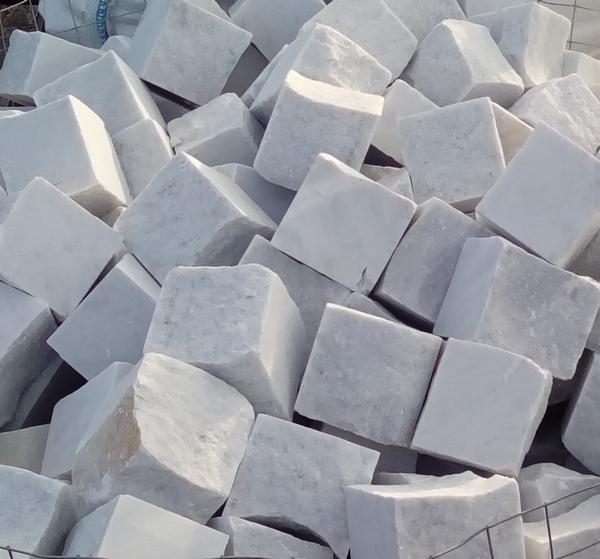 Pavés marbre de Carrare
